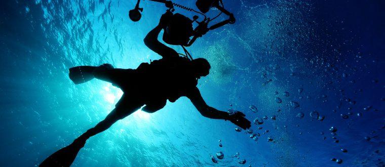 לחובבי אטרקציות מים: ציוד מומלץ לצילום בים