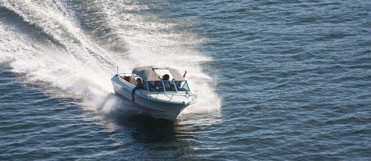 סירת מנוע לכל המשפחה: מה חשוב לדעת לפני שסוגרים את האטרקציה?